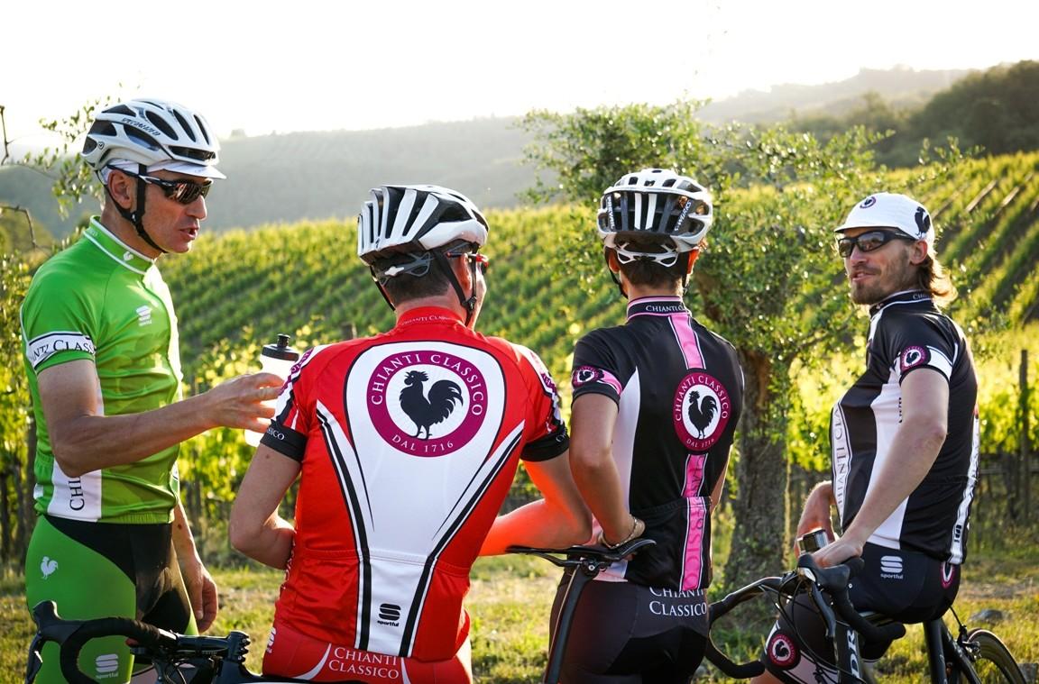 3eeef1165 V Granfondo del Gallo Nero  cycling through the Chianti Classico hills -  WeChianti