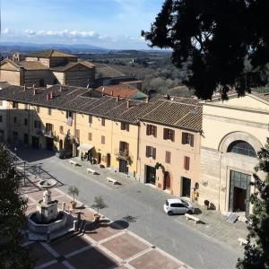 piazza- castelnuovo-da- villa-chigi
