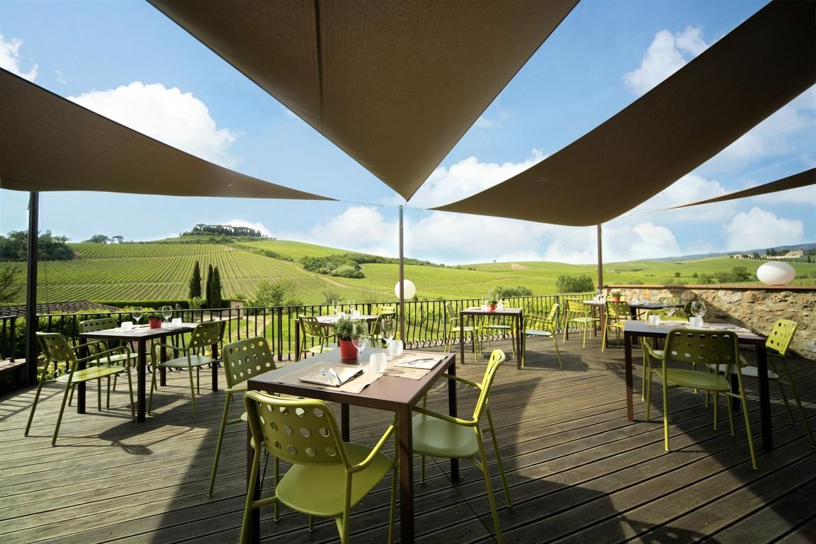 Terrazza ristorante sulle vigne